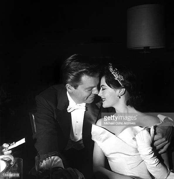 Actors Natalie Wood and Robert Wagner attend the Academy Awards on March 27 1957 in Los Angeles California