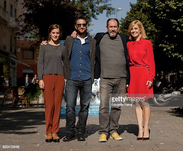 Actors Nausicaa Bonnin Dani Rovira Karra Elejalde and Alexandra Jimenez attends the '100 metros' photocall at Paz cinema on November 2 2016 in Madrid...