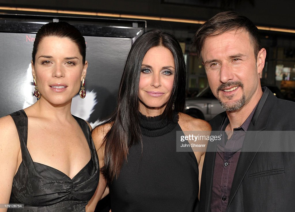 """World Premiere Of The Weinstein Company's """"Scream 4"""" Presented By AXE Shower - Red Carpet : News Photo"""