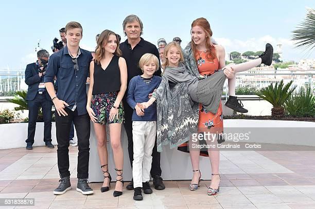Actors Nicholas Hamilton Samantha Isler Charlie Shotwell Viggo Mortensen Shree Crooks and Annalise Basso attend the 'Captain Fantastic' photocall...