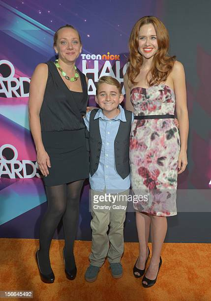 Actors Nicole Sullivan, Buddy Handleson and Haley Strode arrive at Nickelodeon's 2012 TeenNick HALO Awards at Hollywood Palladium on November 17,...