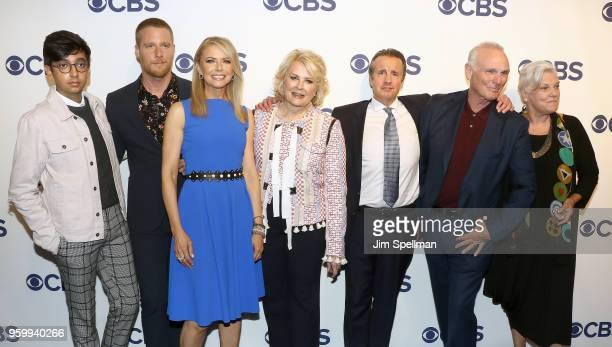 Actors Nik Dodani Jake McDorman Faith Ford Candice Bergen Grant Shaud Joe Regalbuto and Tyne Daly from 'Murphy Brown' attend the 2018 CBS Upfront at...