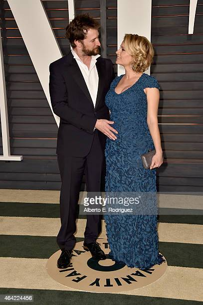 Actors Noah Wyle and Sara Wells attend the 2015 Vanity Fair Oscar Party hosted by Graydon Carter at Wallis Annenberg Center for the Performing Arts...