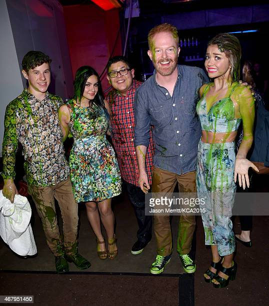Actors Nolan Gould Ariel Winter Rico Rodriguez Jesse Tyler Ferguson and Sarah Hyland attend Nickelodeon's 28th Annual Kids' Choice Awards held at The...
