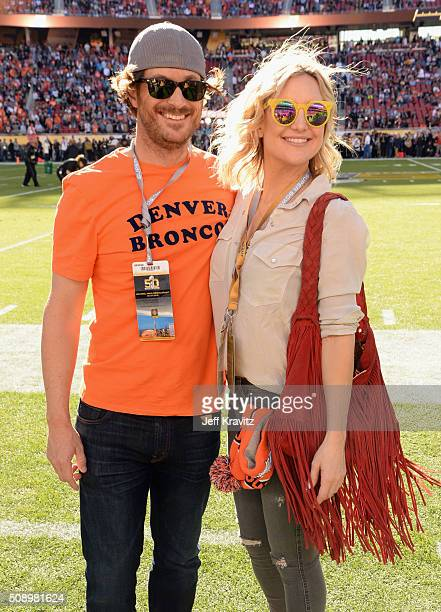 Actors Oliver Hudson and Kate Hudson attend Super Bowl 50 at Levi's Stadium on February 7 2016 in Santa Clara California