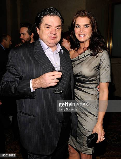 Actors Oliver Platt and Brooke Shields attend IFP's 19th Annual Gotham Independent Film Awards at Cipriani Wall Street on November 30 2009 in New...