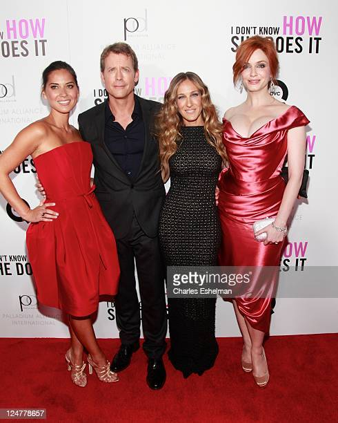 Actors Olivia Munn Greg Kinnear Sarah Jessica Parker and Christina Hendricks attend The Weinstein Company The Cinema Society With QVC Palladium...