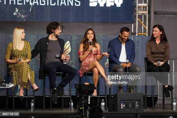 Actors Olivia Taylor Dudley Hale Appleman Summer Bishil Arjun Gupta and writer Sera Gamble talk at The Magicians panel at ID10T festival at Shoreline...