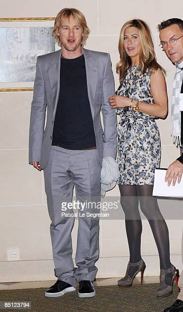 Actors Owen Wilson and Jennifer Aniston attend the Paris photocall for Marley Me at the Hotel Bristol on February 26 2009 in Paris France
