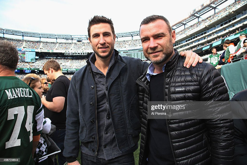 Celebrities Attend The Pittsburgh Steelers Vs New York Jets Game - November 9, 2014 : News Photo