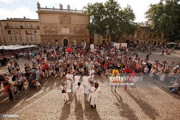 Actors parade during the opening ceremony of the 66th Festival D'Avignon on July 6 2012 in Avignon France Founded in 1947 by Jean Vilar the festival...