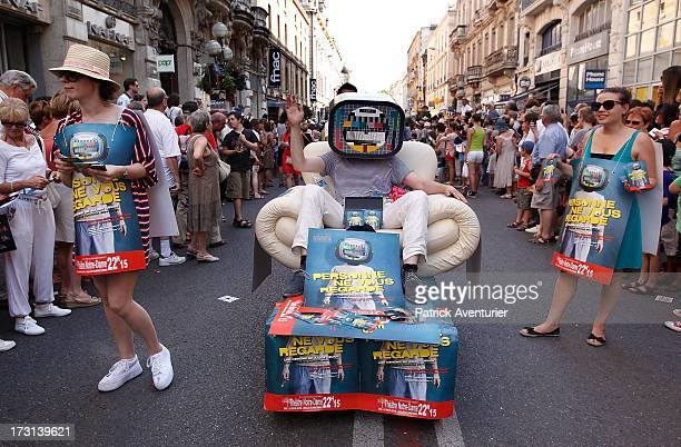 Actors parade in street of Avignon during the opening ceremony of the 67th Off Festival D'Avignon on July 7 2013 in Avignon France The Off Festival...