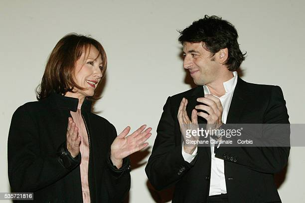Actors Patrick Bruel and Nathalie Baye attend the premiere of 'Une Vie à T'Attendre'