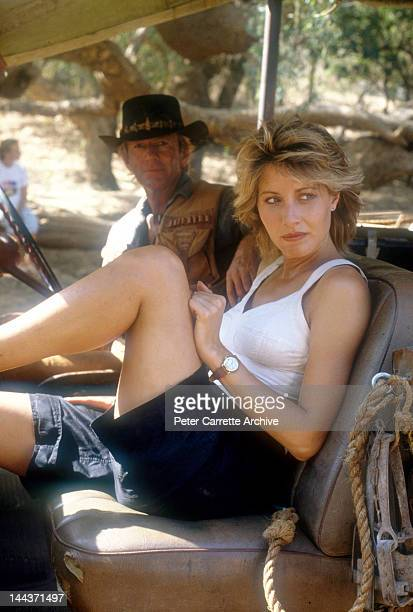 Actors Paul Hogan and Linda Kozlowski on the set of their new film 'Crocodile Dundee' in 1986 on location in the Northern Territory, Australia.