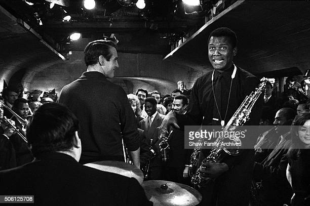 Actors Paul Newman and Sidney Poitier in 1960 during the filming of 'Paris Blues' in Paris France