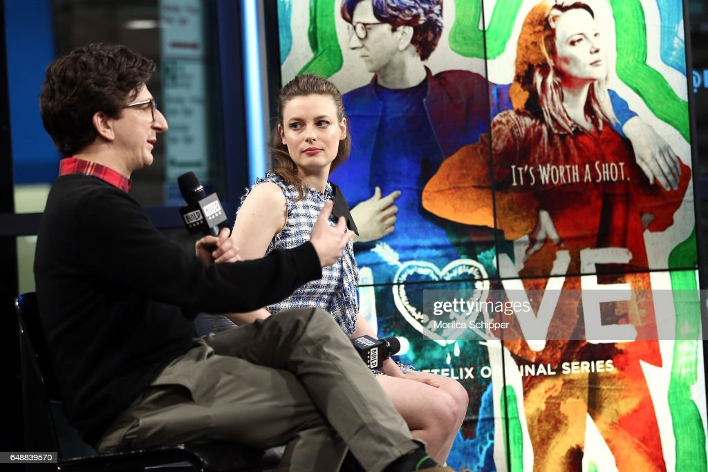 "Build Series Presents Paul Rust And Gillian Jacobs Discussing ""Love"" : Nachrichtenfoto"