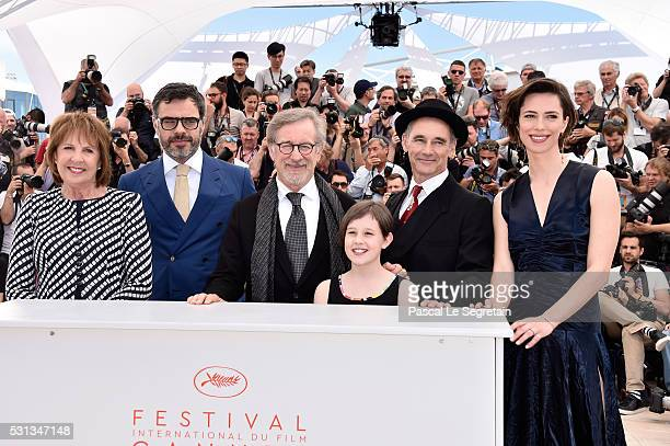 """Actors Penelope Wilton, Jemaine Clement, director Steven Spielberg, actors Ruby Barnhill, Mark Rylance and Rebecca Hall attend """"The BFG """" photocall..."""