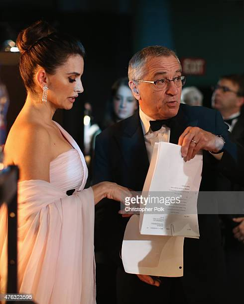 Actors Penélope Cruz and Robert De Niro backstage during the Oscars held at Dolby Theatre on March 2 2014 in Hollywood California