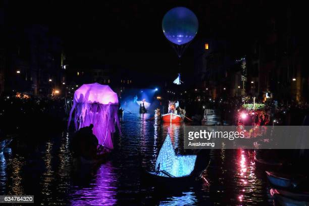 Actors perform on a boat along the Canaregio Canal for the opening of the Venice Carnival on February 11 2017 in Venice Italy The 2017 Carnival of...