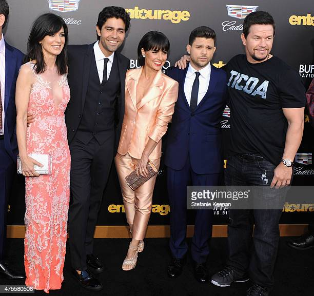 Actors Perrey Reeves Adrian Grenier Constance Zimmer Jerry Ferrara and actor/producer Mark Wahlberg attend the premiere of ENTOURAGE sponsored by...