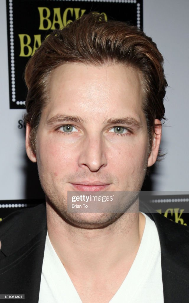 Actors Peter Facinelli arrives at 'Back to Bacharach and David' Opening Night at The Music Box @ Fonda on April 19, 2009 in Hollywood, California.