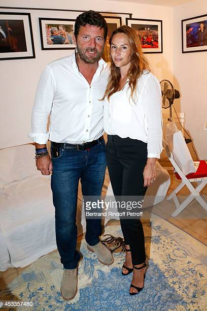 Actors Philippe Lellouche and Vanessa Demouy pose backstage after the 'L'appel de Londres' play at the 30th Ramatuelle Festival Day 8 on August 8...