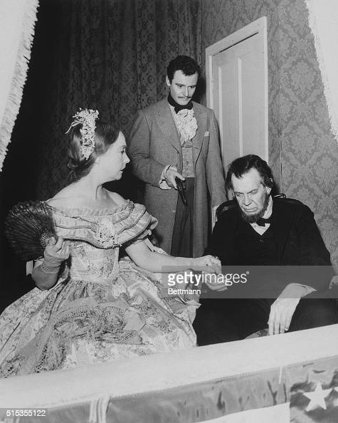 Actors portraying Abraham Lincoln's death in an episode of ...