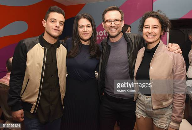 Actors Rami Malek Abbi Jacobson Christian Slater and Ilana Glazer attend a dinner hosted by Entertainment Weekly celebrating Mr Robot at the Spotify...