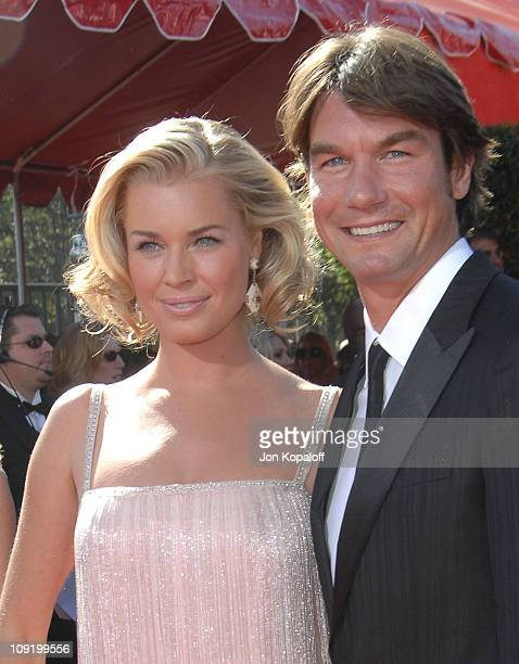 Actors Rebecca Romijn and Jerry O'Connell arrives at the 59th Primetime EMMY Awards at the Shrine Auditorium on September 16 2007 in Los Angeles...