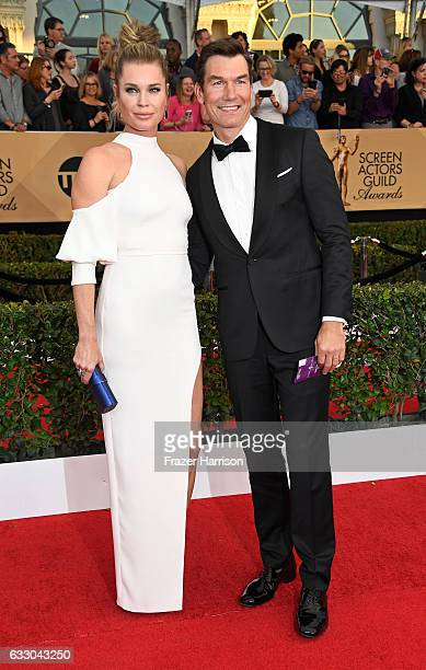 Actors Rebecca Romijn and Jerry O'Connell attend The 23rd Annual Screen Actors Guild Awards at The Shrine Auditorium on January 29 2017 in Los...