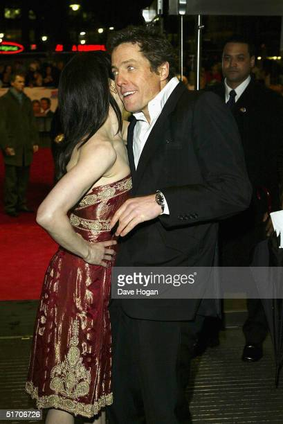 Actors Renee Zellweger and Hugh Grant arrive at the UK Gala Premiere of Bridget Jones The Edge Of Reason at the Odeon Leicester Square on November 9...
