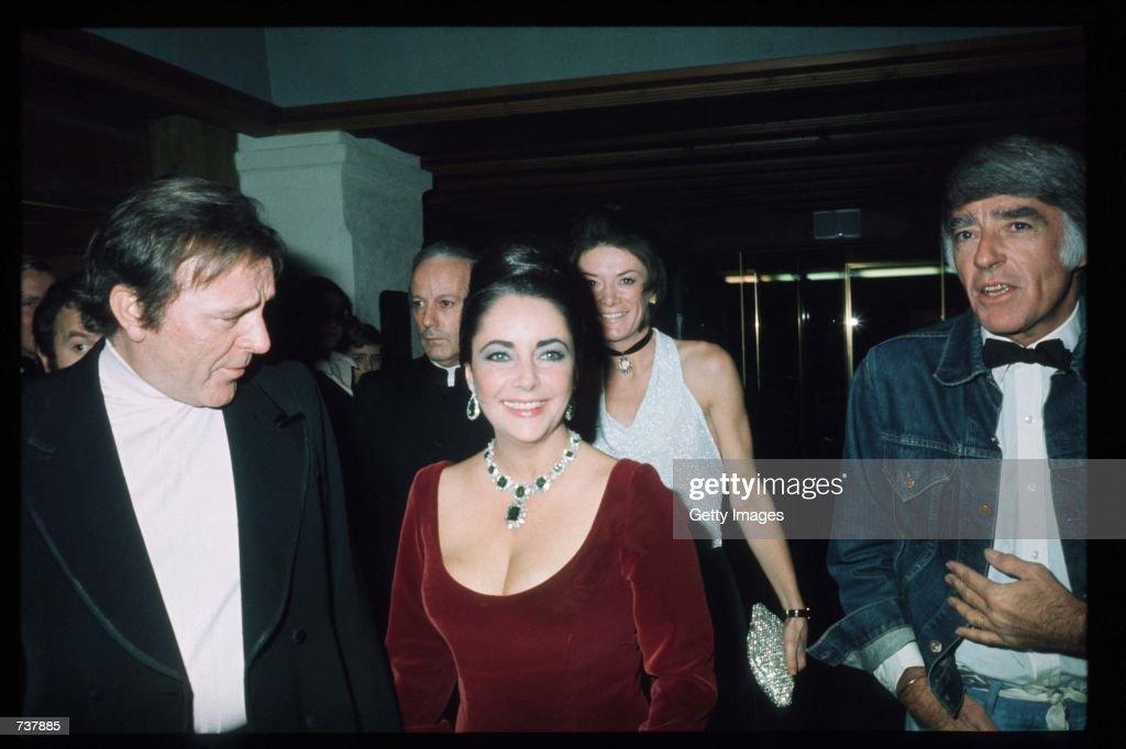 Liz Taylor And Richard Burton : News Photo