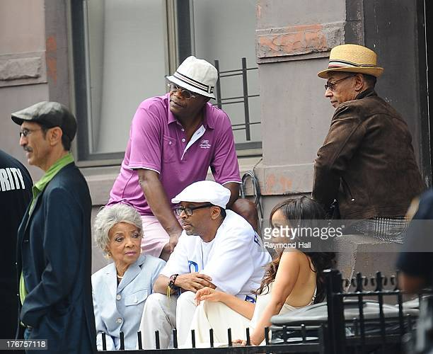 Actors Richard Edson Ruby Dee Samuel L Jackson Rosie Perez and Giancarlo Esposito are seen in BedfordStuyvesant section of Brooklyn with director...