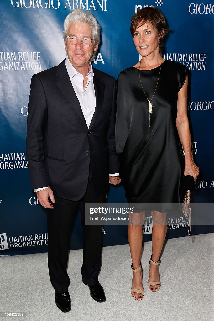 Actors Richard Gere (L) and Carey Lowell attend the 2nd Annual Sean Penn and Friends Help Haiti Home Gala benefiting J/P HRO presented by Giorgio Armani at Montage Hotel on January 12, 2013 in Los Angeles, California.