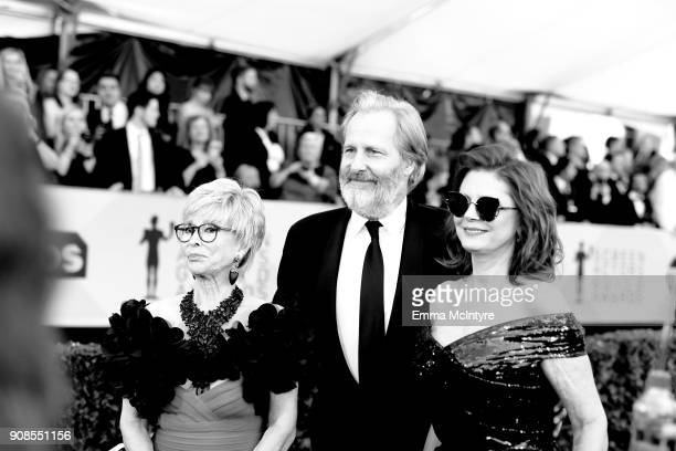 Actors Rita Moreno Jeff Daniels and Susan Sarandon attend the 24th Annual Screen Actors Guild Awards at The Shrine Auditorium on January 21 2018 in...