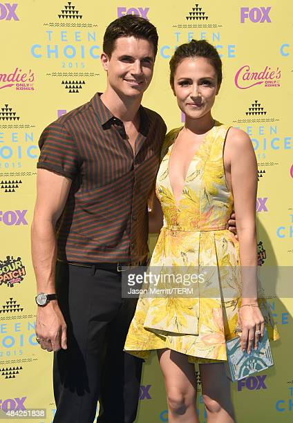 Actors Robbie Amell and Italia Ricci attend the Teen Choice Awards 2015 at the USC Galen Center on August 16 2015 in Los Angeles California