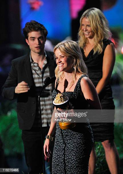 Actors Robert Pattinson and Reese Witherspoon and TV Personality Chelsea Handler speak onstage during the 2011 MTV Movie Awards at Universal Studios'...