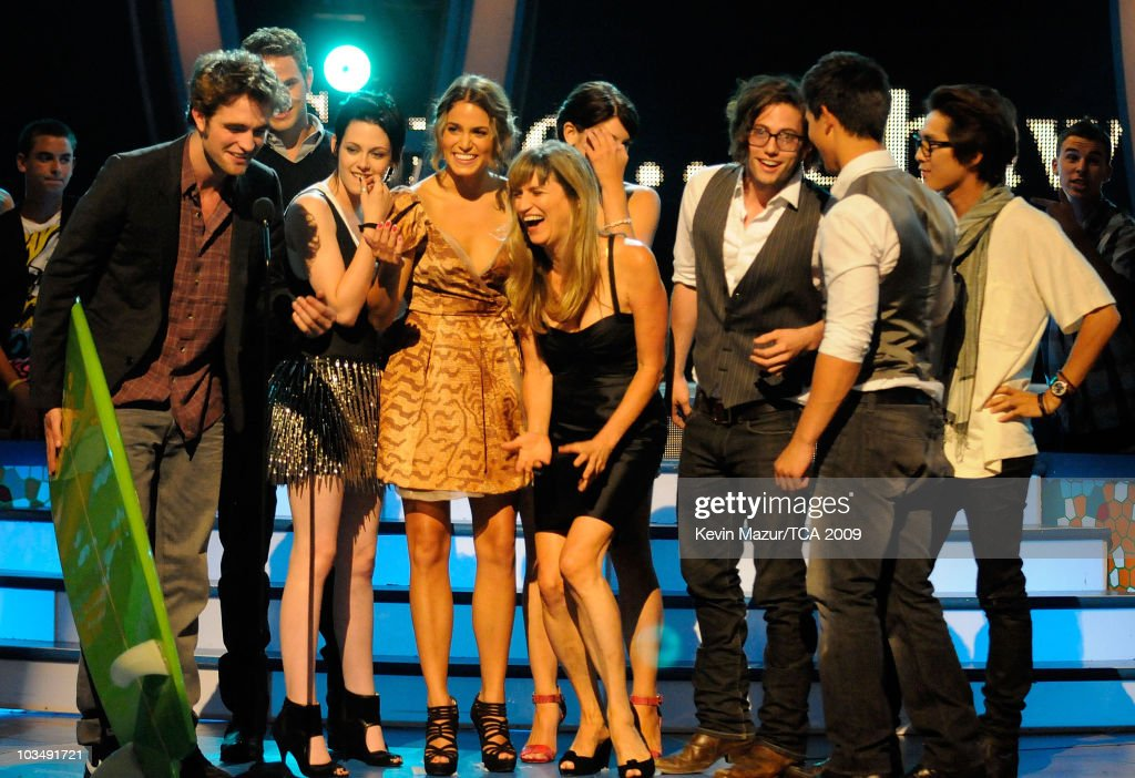 Teen Choice Awards 2009 - Roaming Show : News Photo