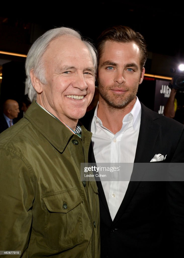 """Premiere Of Paramount Pictures' """"Jack Ryan: Shadow Recruit"""" - Red Carpet : News Photo"""