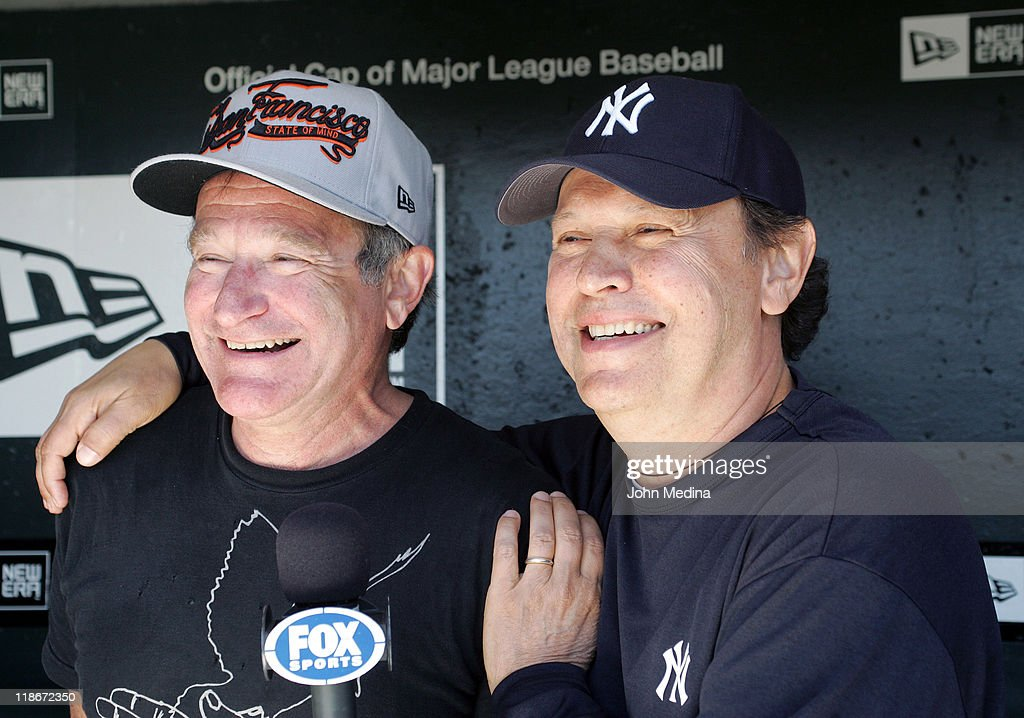 Robin Williams and Billy Crystal sighting at the New York Yankees vs San Francisco Giants Game - June 23, 2007 : News Photo