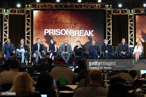 Actors Rockmond Dunbar, Robert Knepper, Mark Feuerstein, Sarah Wayne Callies, Dominic Purcell, and Wentworth Miller, Creator/Executive producer Paul...