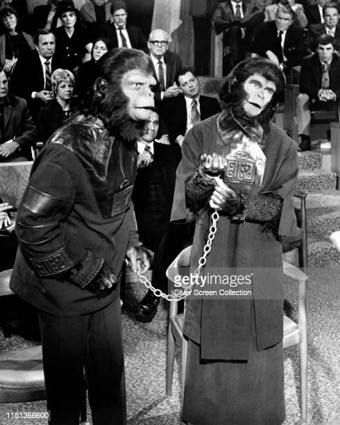 Actors Roddy McDowall as Cornelius and Kim Hunter as Zira in the science fiction film 'Escape from the Planet of the Apes' 1971