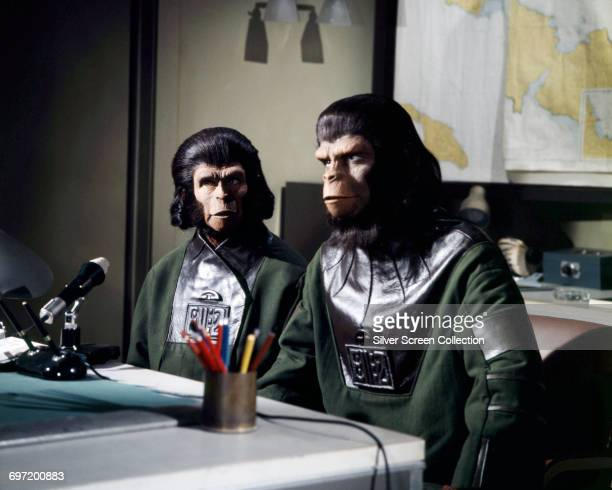 Actors Roddy McDowall as Cornelius and Kim Hunter as Zira in the sciencefiction film 'Escape from the Planet of the Apes' 1971