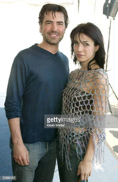 Actors Ron Livingston and Lisa Sheridan attend the 2003 IFP Independent Spirit Awards on March 22 2003 in Santa Monica California