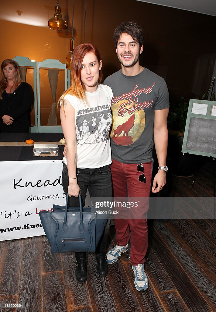 Actors Rumer Willis (L) and Jayson Blair attend Kari Feinstein's Pre-Emmy Style Lounge at the Andaz Hotel on September 19, 2013 in Los Angeles, California.