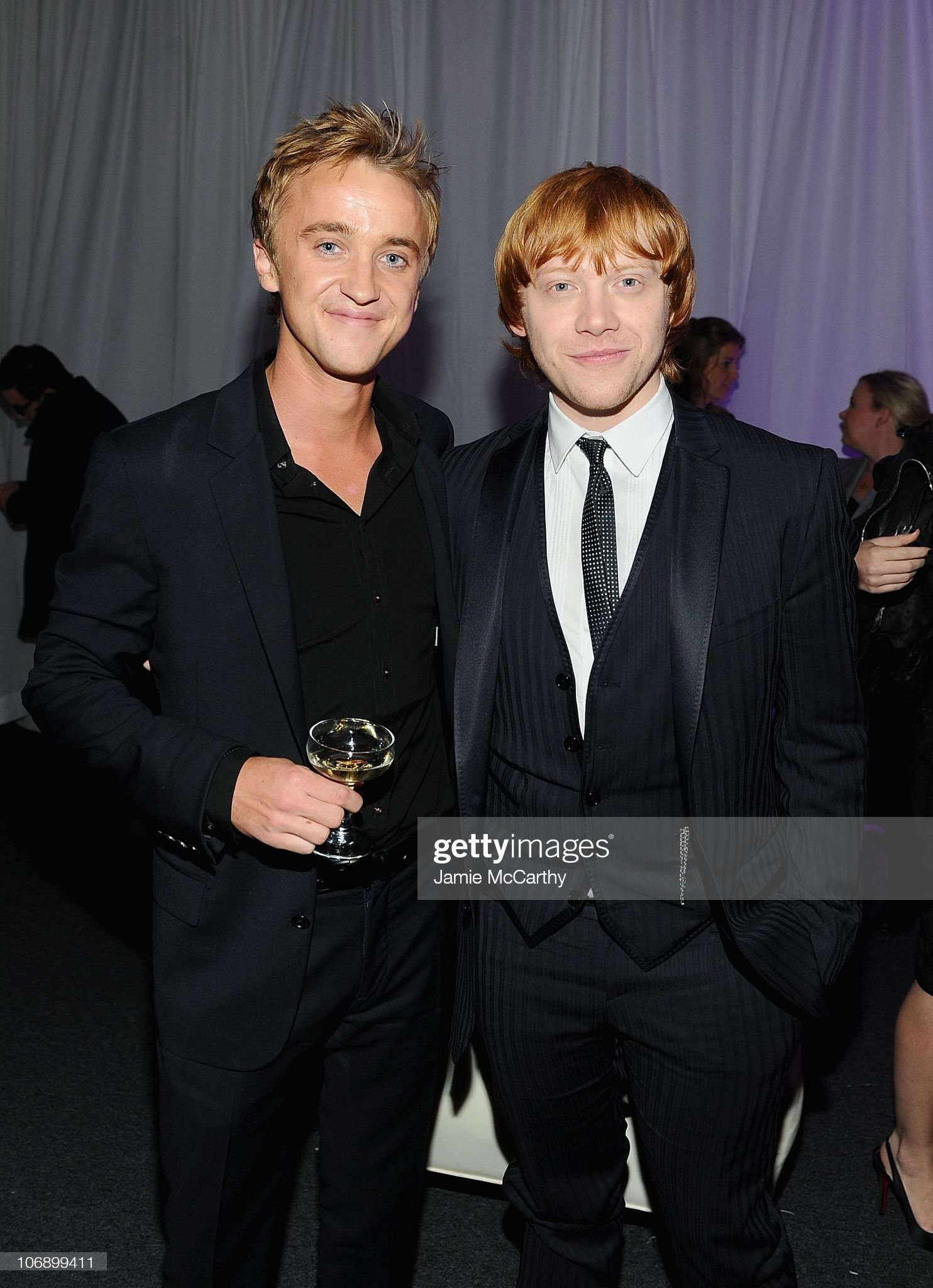 ¿Cuánto mide Rupert Grint? - Altura - Real height Actors-rupert-grint-and-tom-felton-attend-the-premiere-of-harry-and-picture-id106899411?s=2048x2048