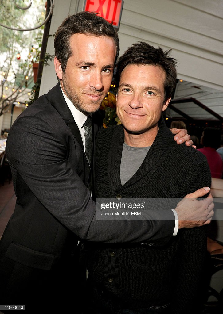 Actors Ryan Reynolds (L) and Jason Bateman attend the Details Magazine/Ryan Reynolds Party at Dominick's Restaurant on June 6, 2011 in Los Angeles, California.