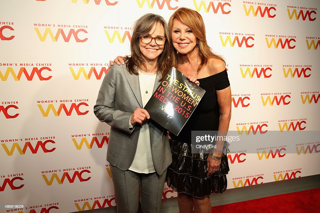 Actors Sally Field (L) and Marlo Thomas attend The Women's Media Center 2015 Women's Media Awards on November 5, 2015 in New York City.