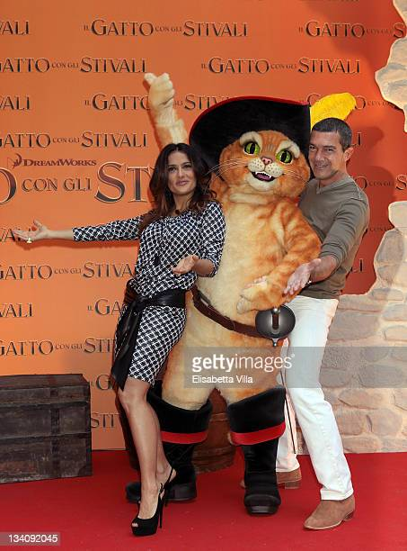 Actors Salma Hayek and Antonio Banderas attend 'Puss In Boots' Italian photocall at the Hassler Hotel on November 25 2011 in Rome Italy