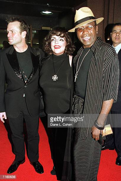 Actors Sam Harris Liza Minnelli and Ben Vereen arrives for the Michael Jackson concert September 7 2001 at Madison Square Garden in New York City